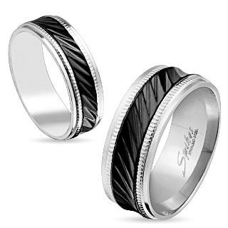 Bague mixte en acier à bande noire avec diagonales et bords crantés