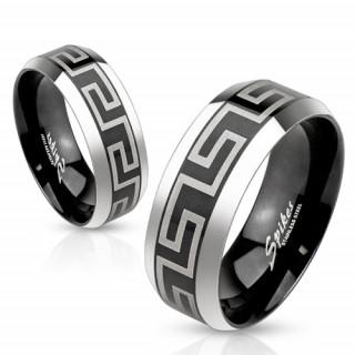 Bague mixte en acier noir avec motif labyrinth et bordures grises
