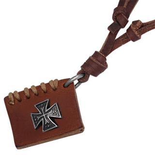 Collier cuir à pendentif livre orné d'une croix de Malte en métal